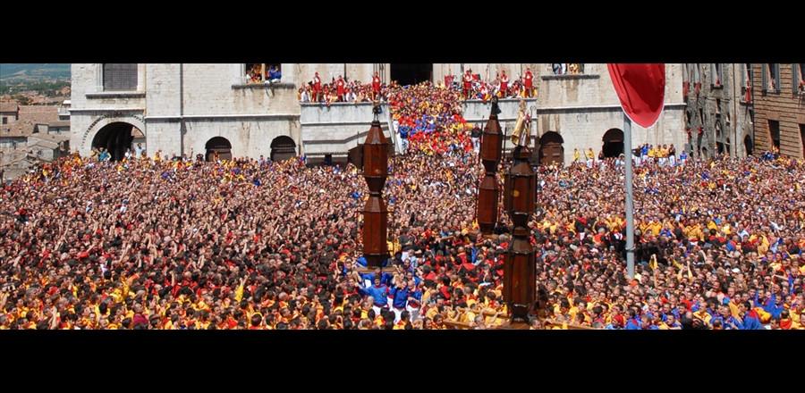 """IN GIRO PER L'ITALIA: """"La Festa dei Ceri a Gubbio, una tradizione millenaria"""""""