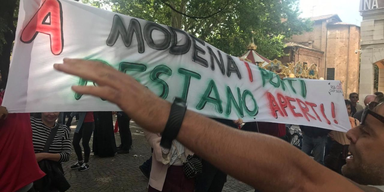 Modena, aggressione ai lavoratori del sistema accoglienza