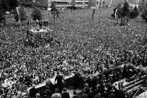 """26 giugno 1963, Berlino Ovest, John Kennedy: """"Ich bin ein Berliner"""""""