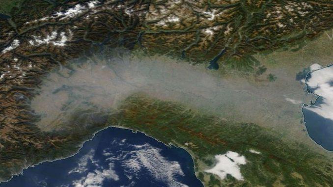 """Coronavirus: associazione tra smog e Covid-19, """"Non vi sono evidenze scientifiche"""""""