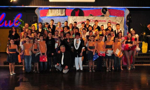 """Danze romagnole e sciucaren: il gruppo """"Cicognani Danze"""" compie 50 anni"""