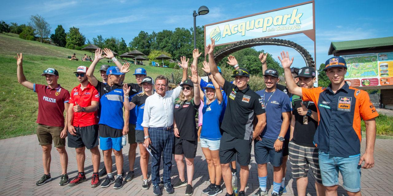 """Motocross, primo """"assaggio"""" con autografi al Villaggio della Salute Più"""