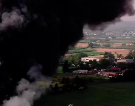 Faenza, incendio del 9 agosto: un servizio per smaltire i rifiuti ricaduti dal cielo