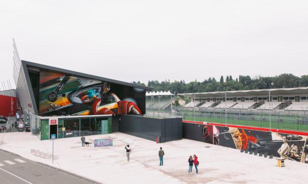 Il murales di Ayrton Senna colora l'autodromo di Imola