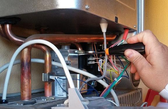Pompe di calore, caldaie a biomassa, a condensazione, collettori solari: i vantaggi delle nuove tecnologie