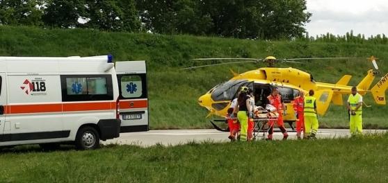 Incidente frontale in via Correcchio, ferite due donne, una al Maggiore