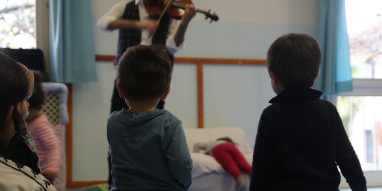 """Violini in 5 asili nido comunali grazie all'Accademia """"Incontri col maestro"""""""