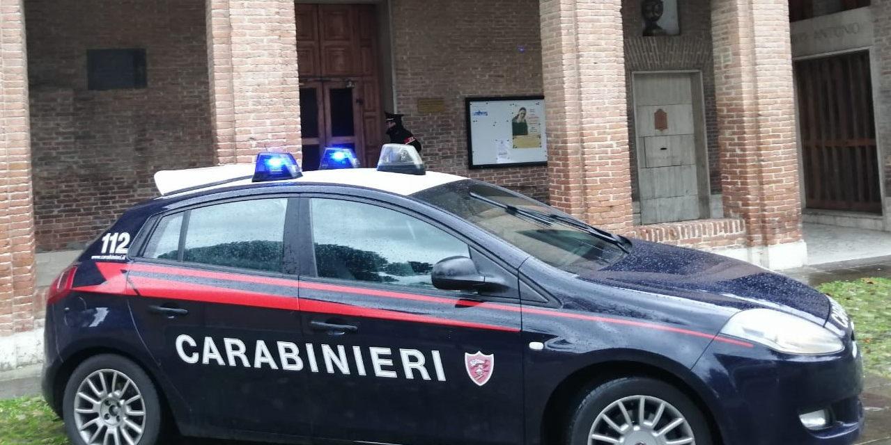 Tenta di rubare la bicicletta a un frate, denunciato dai carabinieri