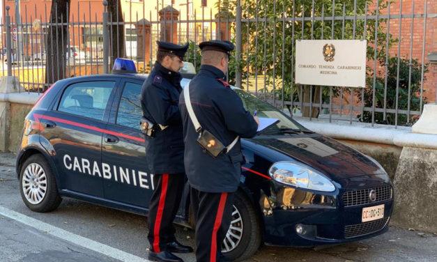 Fermati in un parco due giovani con hashish, denunciati dai carabinieri