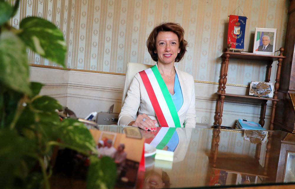 La sindaca Manuela Sangiorgi ritira le dimissioni e…