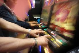 Incontro di prevenzione contro nuove droghe, alcol e gioco d'azzardo