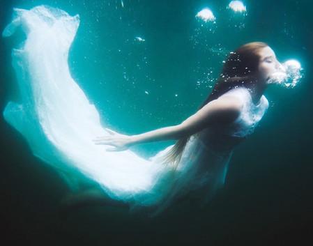 """DALLA REGIONE: """"La bambina del lago"""" di Sabina e Loriano Macchiavelli"""
