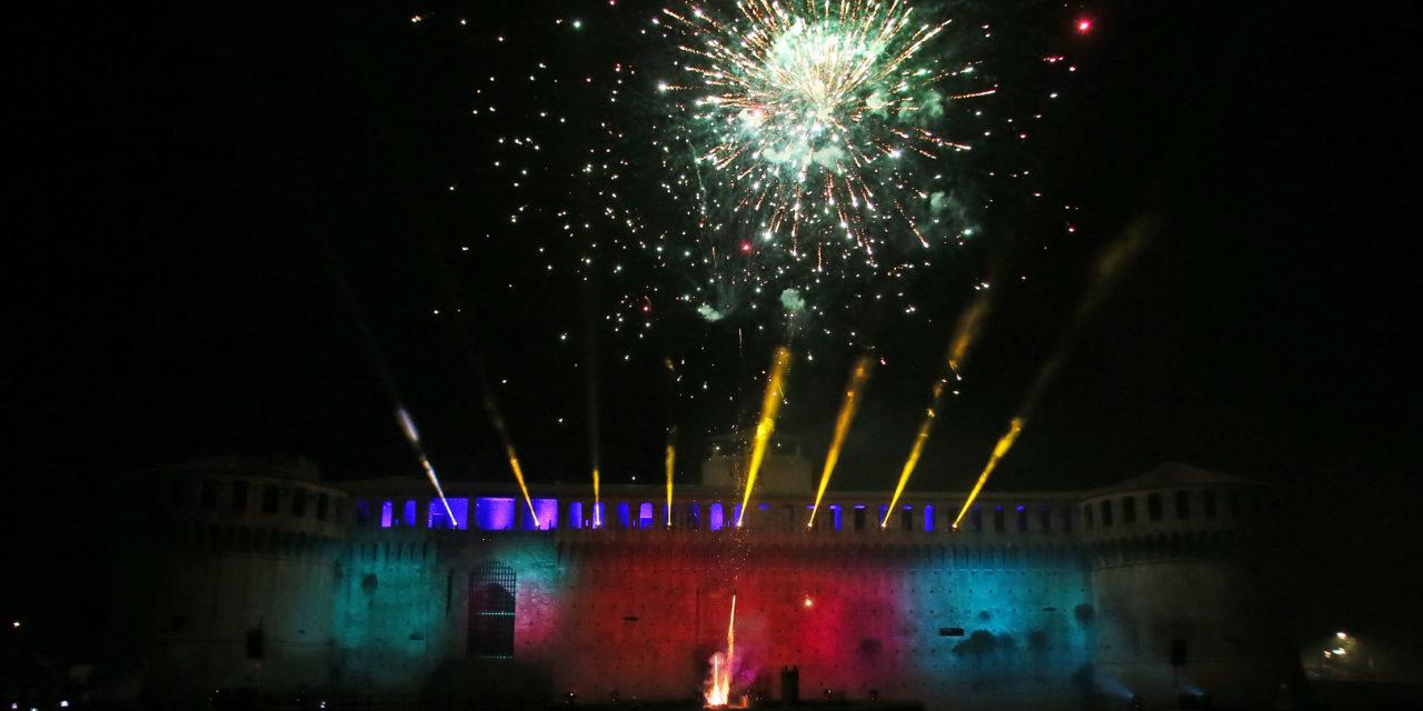 Notte di Capodanno senza vetro, lattine e uso di petardi per la sicurezza