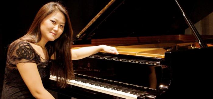 Jin Ju incanta con 7 strumenti il pubblico del concerto di Natale dell'Accademia