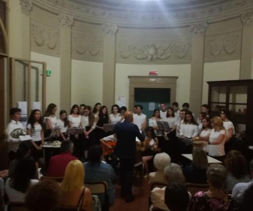 Liceo Valeriani Rambaldi, il Latino e il Greco si imparano cantando