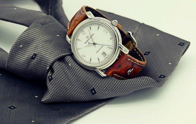 Regalare un orologio: come scegliere il modello giusto