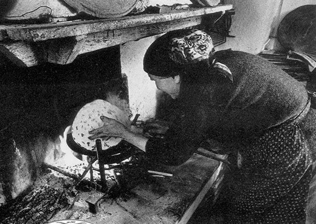 """Il mito delle """"Azdore"""" tra famiglia e piatti unici"""