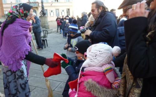 Bambini, ecco la Befana a Castello e Osteria