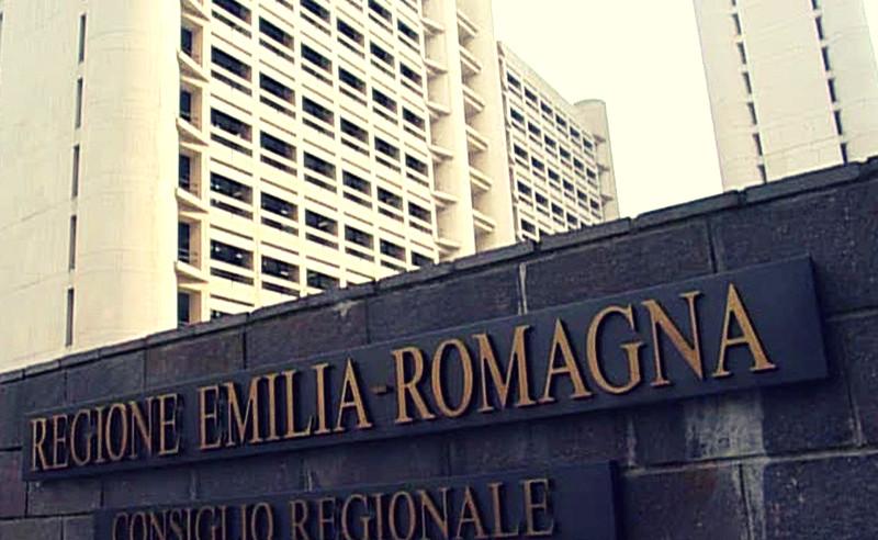 Elezioni Emilia Romagna: 350 sezioni scrutinate, è sorpasso!