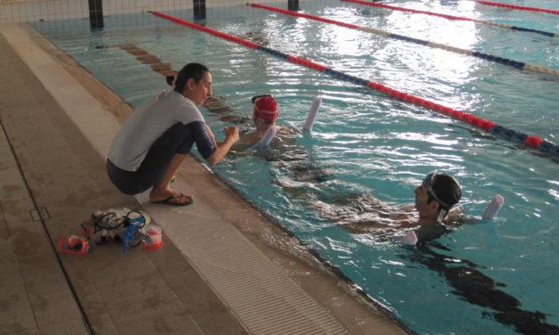 Coronavirus, piscine e centri sociali aperti con persone a distanza di almeno un metro