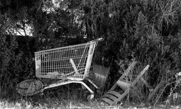 Lavorava in un supermercato, è morta a 48 anni