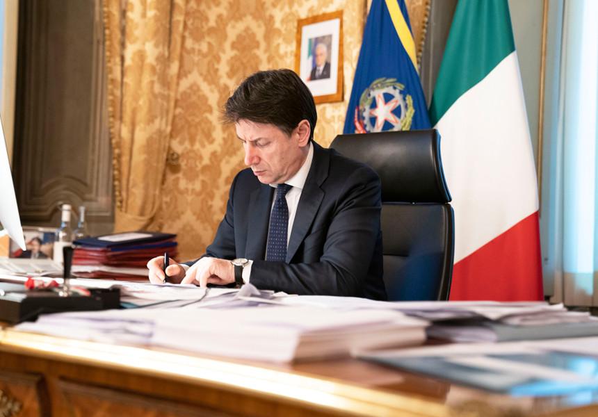 Pronto un nuovo decreto, multe fino a 4000 euro per chi non rispetta le misure