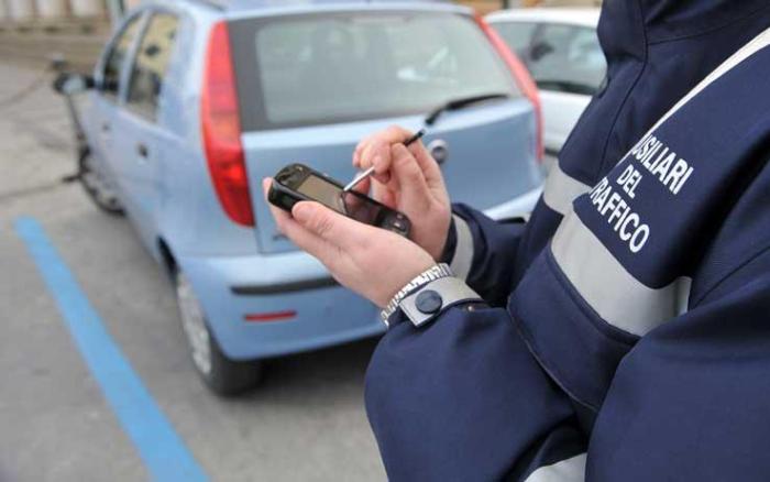 Prorogata fino al 17 maggio l'esenzione del pagamento della sosta-auto