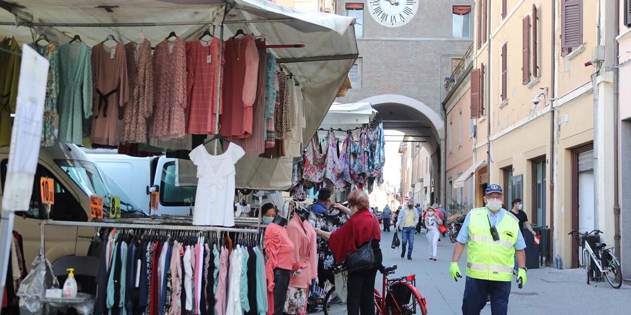 Partenza regolare del mercato ambulante a Imola, il 25 al via Castello