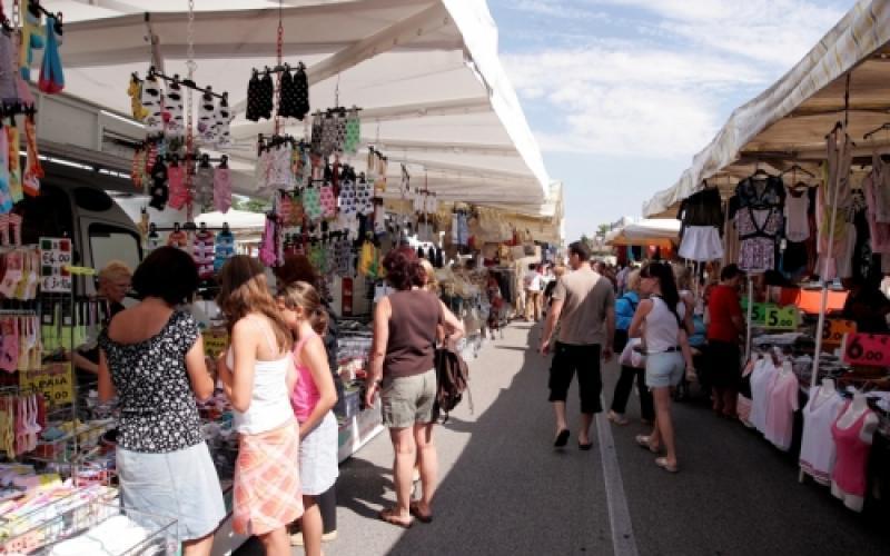 Riapre il 21 maggio il mercato ambulante, ma con regole stringenti e controlli