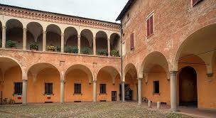 Dalla Diocesi un palco gratis per eventi estivi nel cortile di palazzo Monsignani