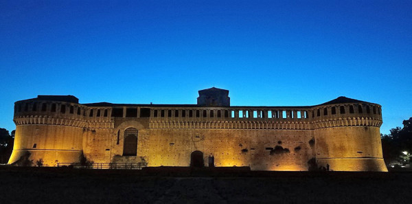 """""""Musei più aperti"""" in agosto e la rocca si svela al tramonto"""