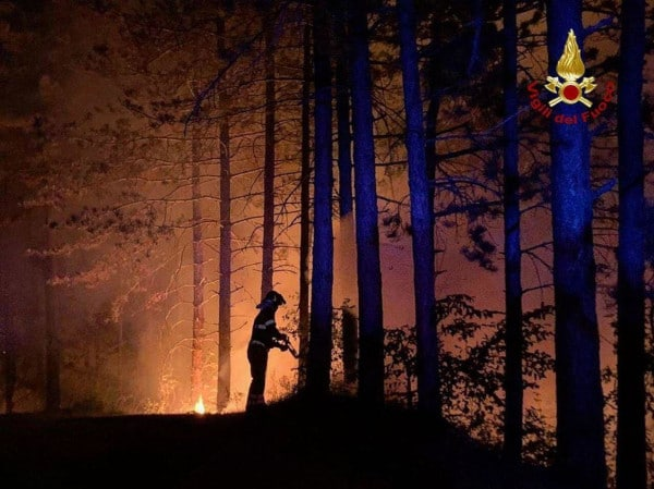Incendio monte Battaglia: si va verso lo spegnimento dei focolai residui