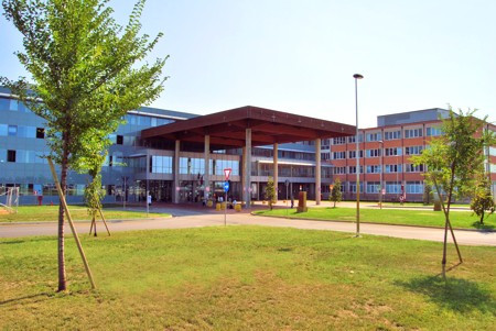Università di medicina a servizio della sanità privata? Pensiamo anche al pubblico