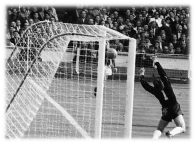 30 luglio 1966: Inghilterra-Germania, Hurst e il gol fantasma