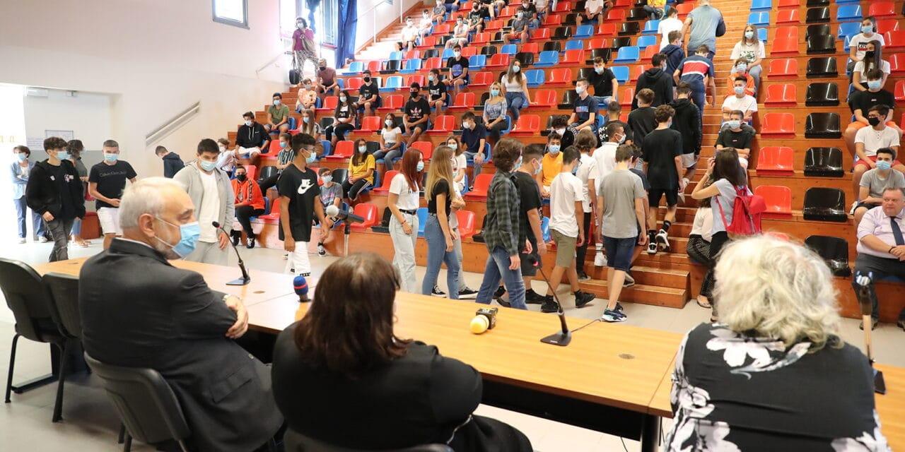 Primo giorno di scuola dopo il lockdown a Imola e Castel San Pietro