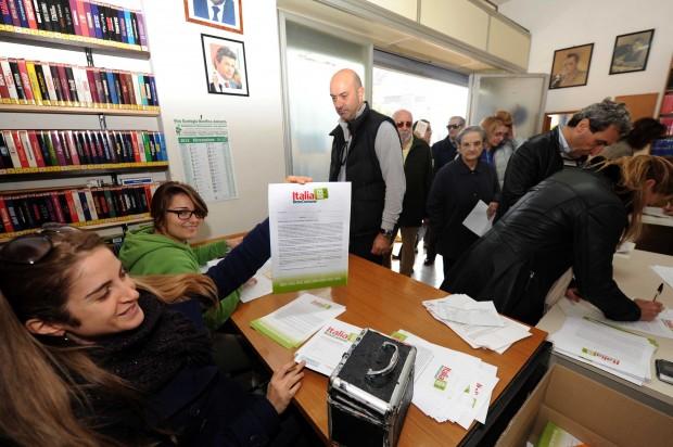 Referendum per ridurre i parlamentari: valanga di Sì nel circondario