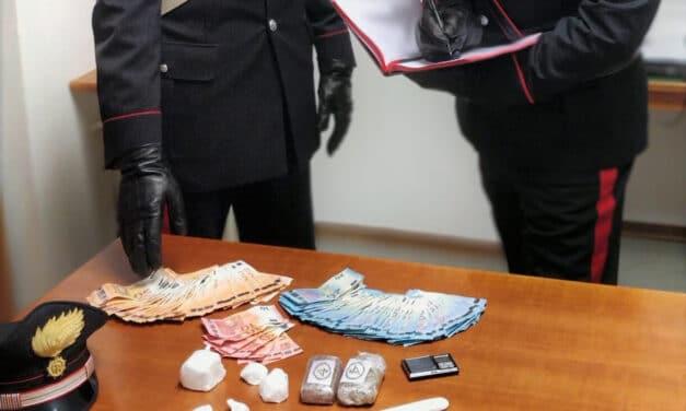 Traffico di droga, individuato e arrestato un uomo mentre spacciava cocaina