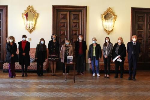 La Fondazione Carimola dona agli studenti di prima media 1287 dizionari