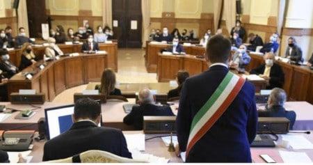 Consiglio comunale Imola, prime polemiche sulle linee programmatiche