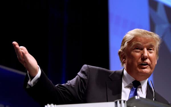 Come Trump convinse nel 2016 tre milioni e mezzo di afroamericani a non votare Clinton