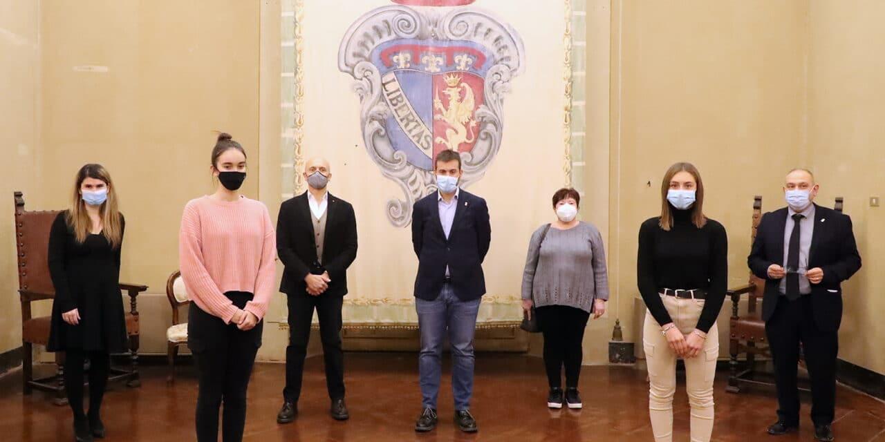 Premio Bontà a 4 alunne che hanno informato sulla lotta alla Fibrosi Cistica