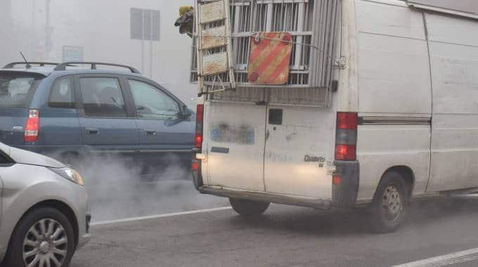 Troppo inquinamento, scatta il divieto di circolazione per i diesel euro 4