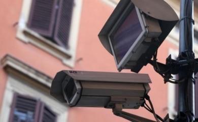 Nuove telecamere di videosorveglianza vicino a 6 scuole contro lo spaccio