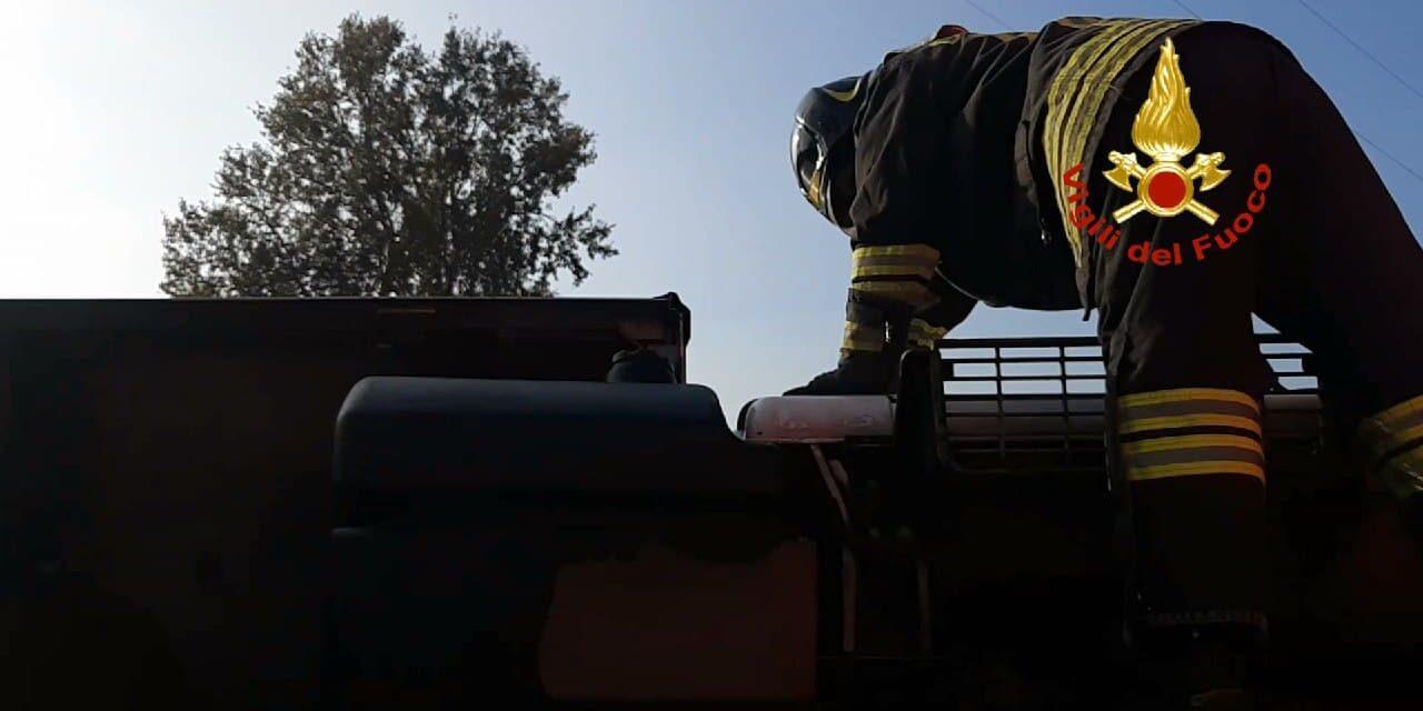 Incendio in un appartamento con tanto fumo nelle stanze, muore una donna