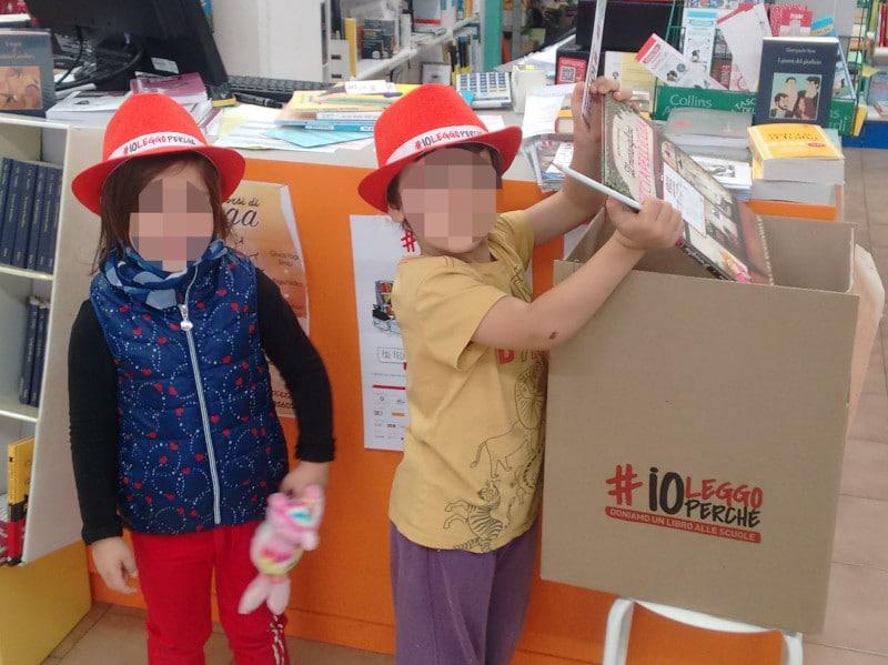 Dona un libro alla biblioteca con #ioleggoperchè