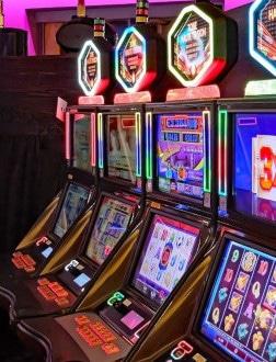 Il gioco d'azzardo tra i settori più colpiti dalla misure anti-Covid