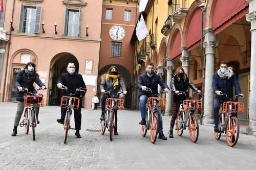Pronte 150 nuove bici che si trovano e si pagano con app sul cellulare