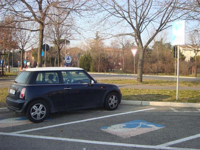 Aumenta la sosta gratis nel parcheggio di via Oberdan durante le festività