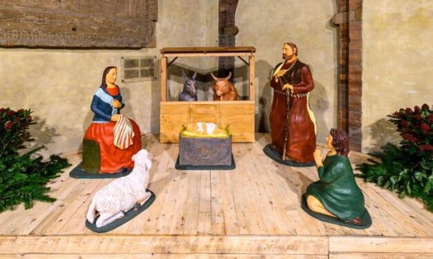 A palazzo d'Accursio a Bologna il presepe del castellano Gianni Buonfiglioli