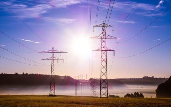 Aumenti in arrivo per energia elettrica e gas
